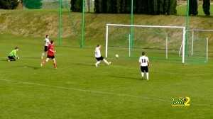 Terrible miss in Polish amateur league match – video